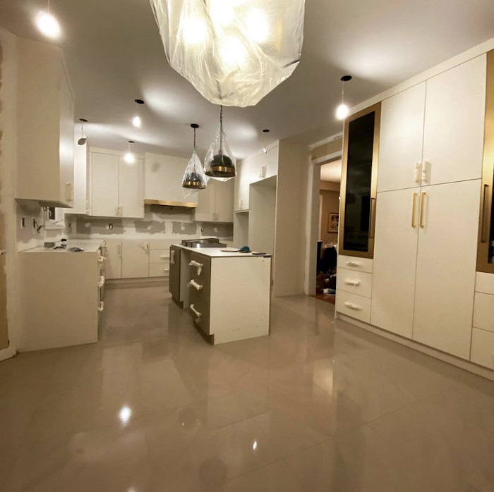 gold and black accent with marble floor